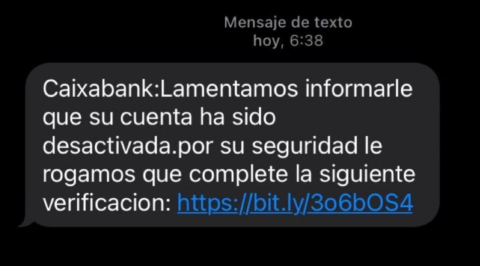 Cuidado con estos SMS de Santander y Caixa: te quieren robar tus datos bancarios